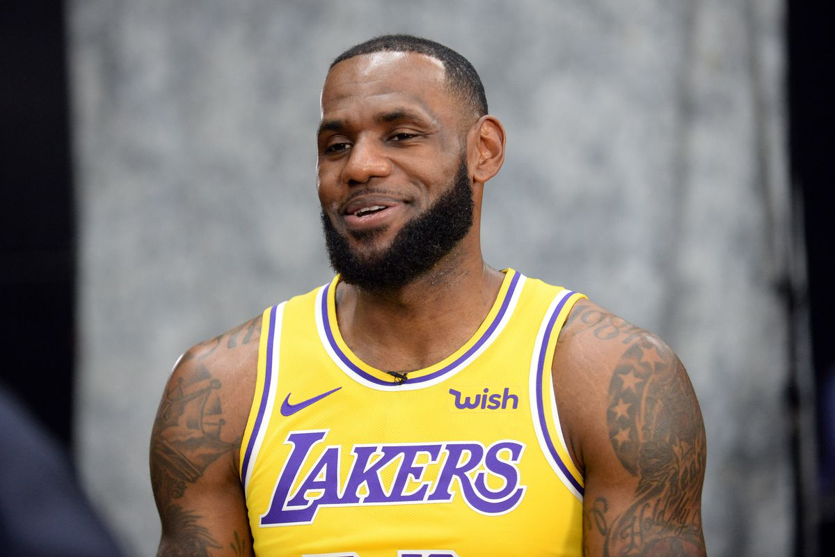 the latest 22d15 77009 Cavaliers or LA Lakers...LeBron James can work his magic ...
