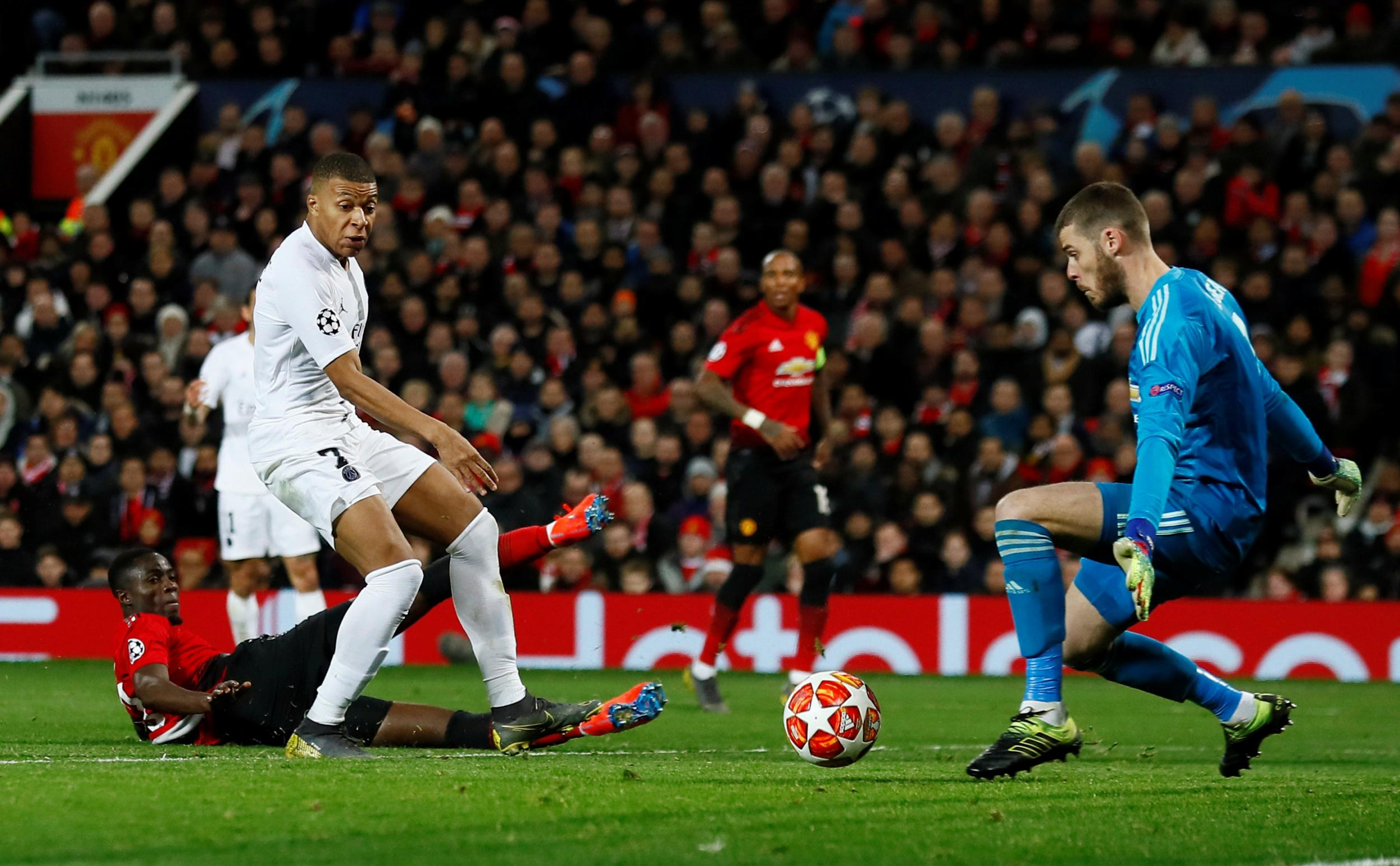 PSG secure a comfortable 2-0 win at Old Trafford to hand Ole's first defeat  as United boss